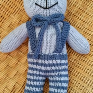 Teddy blau mit Hose und Hosenträger